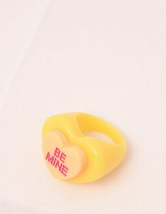 Кільце широке із пластику у вигляді серця з написом | 248689-19-38 - A-SHOP