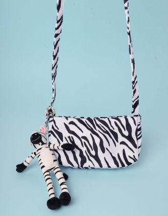 Сумка через плече з принтом та брелоком у вигляді зебри | 245266-01-XX - A-SHOP