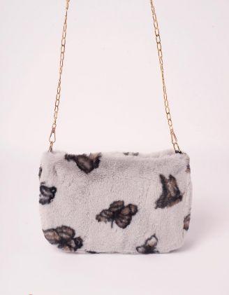 Сумка на ланцюжку хутряна з принтом метеликів | 245281-11-XX - A-SHOP