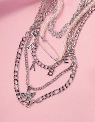 Підвіска на шию багатошарова із ланцюгів та перлин з булавкою і написом BABY | 246097-05-XX - A-SHOP