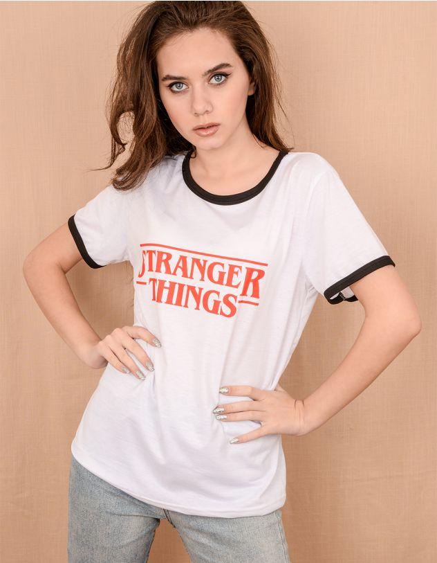 Футболка із написом Stranger things | 239955-01-21 - A-SHOP