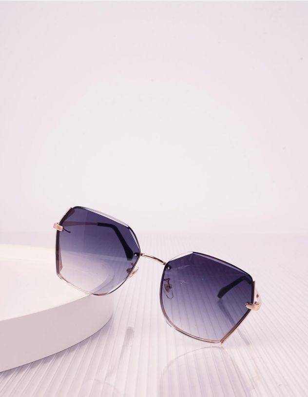 Окуляри сонцезахисні з тонкими дужками | 239618-09-XX